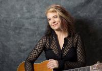 Kytara napříč žánry - Janet Robin a Kaya - Praha