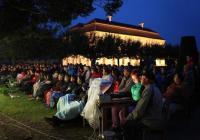 Divadelní léto na zámku Kratochvíle