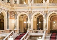 Skrz naskrz Národním muzeem