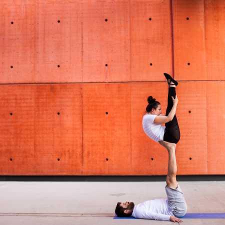 AcroYoga a párová akrobacie