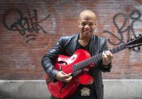 Na Jazz Festivalu Praha vystoupí kytarový mág Mark Whitfield s AMC Triem