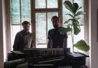Dvojice hudebníků přetváří legendární český underground do současnosti