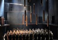 Boris Godunov půl roku po premiéře neudrží posluchače v divadle déle než do přestávky