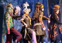Do divadla Hybernia se vrací rodinný muzikál Kapka medu pro Verunku
