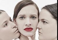 Fajerové Zločiny.ženy.doc: sociální dokument v podmínkách experimentálního divadla