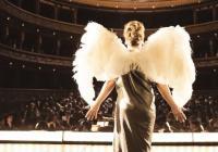 Snímek Marguerite je o tajemství slávy zpěvačky, která neuměla zpívat. Před českou premiérou si zasoutěží v Benátkách