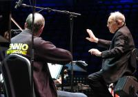 Český národní symfonický orchestr zahájil turné se slavným skladatelem Morriconem
