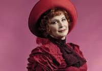 Dohazovačka v Divadle Na Fidlovačce vrátí Dolly Leviové to, co jí muzikál vzal