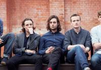 Britská kapela The Maccabees se po čtrnácti letech loučí se svými fanoušky