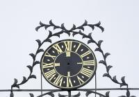 Ve Veltrusích se opět rozeběhnou zámecké hodiny