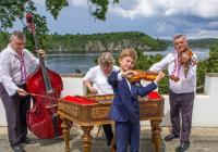 Cimbál Dušana Kotlára na mezinárodním sklářském festivalu