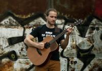 Koncert ArtCafé - Adam Morkus