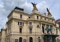 10 pražských divadel, kam musíte vzít příbuzné z venkova