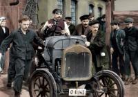 Dědeček automobil - kinokavárna Sokolovna