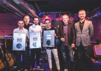 Na Universal Music Stage 2016 se představila Lenny, Hodiny, Poetika i Adam Ďurica. Hvězdou večera byla Slza