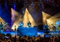 Pražané se mohou těšit na pořádnou nálož elektronické hudby. Dorazí Emancipator Ensemble