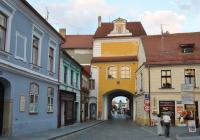 Hradecká brána, Třeboň