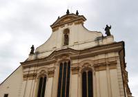 Zrní v kostele