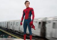 Návrat domů. Tom Holland se po Civil War ukazuje v upoutávce na sólovku Spider-Mana