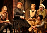 Studio Ypsilon uvede jubilejní 100. reprízu komedie Babička se vrací