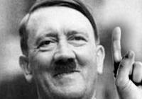 Chcete fotky s vysmátým Hitlerem? V Británii se draží unikátní fotoalbum EvyBraunové