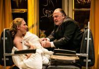 Švandovo divadlo uvede hru Karla Čapka. Na svých prknech přivítá Slušného člověka
