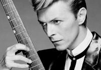 Připomeňte si genialitu Davida Bowieho. Do kin míří jedinečný dokument