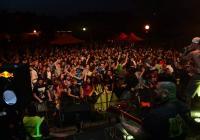 Festival Mezi Bloky opět rozezní podolské koleje. Láká i na hvězdu z Nizozemska