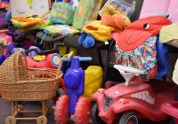 Dobročinný bazárek pro rodiny s dětmi