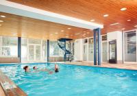 Plavecký bazén hotelu Horizont