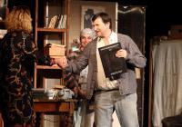 Divadlo Na Jezerce slaví výročí, rozdává dárky a zve na novou inscenaci