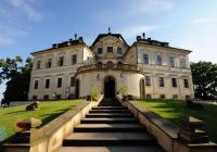 Prohlídky s hrabětem Kinským na zámku Karlova Koruna