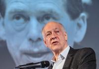 Jacques Rupnik: Střední Evropa je jako pták s očima vzadu