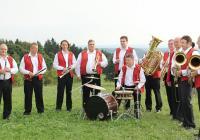 Vánoční koncert Pernštejnky a Krumsíňanky