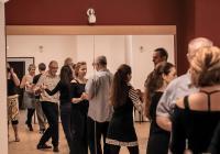 Pravidelné lekce argentinského tanga pro začátečníky