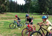 Cyklokroužky naučí vaše děti jezdit na kole