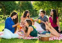 Piknikové neděle na zámku Loučeň