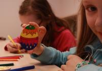 Malování vajíček a velikonoční zpívání na Stezce korunami stromů Krkonoše