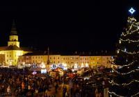 Rozsvícení vánočního stromu s Mikulášem - Kroměříž