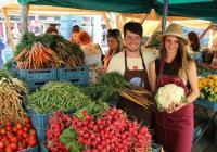 Farmářské trhy ve městě Chomutov