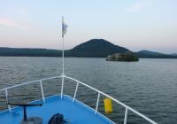 Objevte přístavy a pláže Máchova jezera