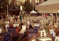 Letní bar na náměstí Svobody v Brně