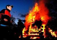 Pálení čarodějnic na Střeleckém ostrově v Litoměřicích