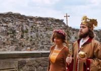 Král na hradě Kunětická hora