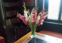 Zámek v květech ve Velkém Březně
