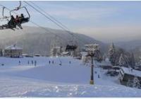 Tanvaldský Špičák v zimě - za rozhledy, na lyže i do království hraček