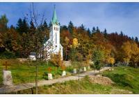 Bedřichovem za krásnou horskou přírodou, výhledy, sportem, koupáním i památkami