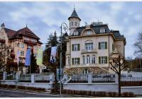 Karlovy Vary - lázeňským centrem za málo známými vilami i neotřelými vyhlídkami