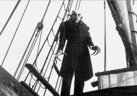Upír Nosferatu se živou hudbou