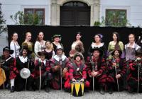 Vystoupení skupiny historického šermu Collegium Armatum